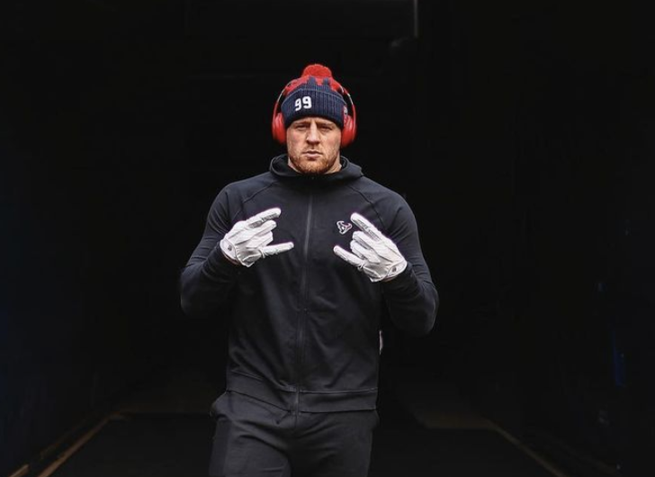 NFL Star, JJ Watt, Gets Emotional in a Post-Game Interview – Following the Texans 37-31 loss on Sunday against the Bengals, season long frustration boiled over for Defensive end JJ Watt.