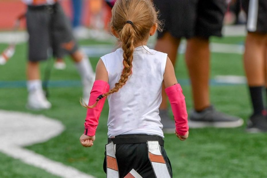 NFL Teams Up With Nike Wanting To Bring Girls Flag Football To Every High School In The US: 'Girls Flag Demonstrates That Football Is For All'