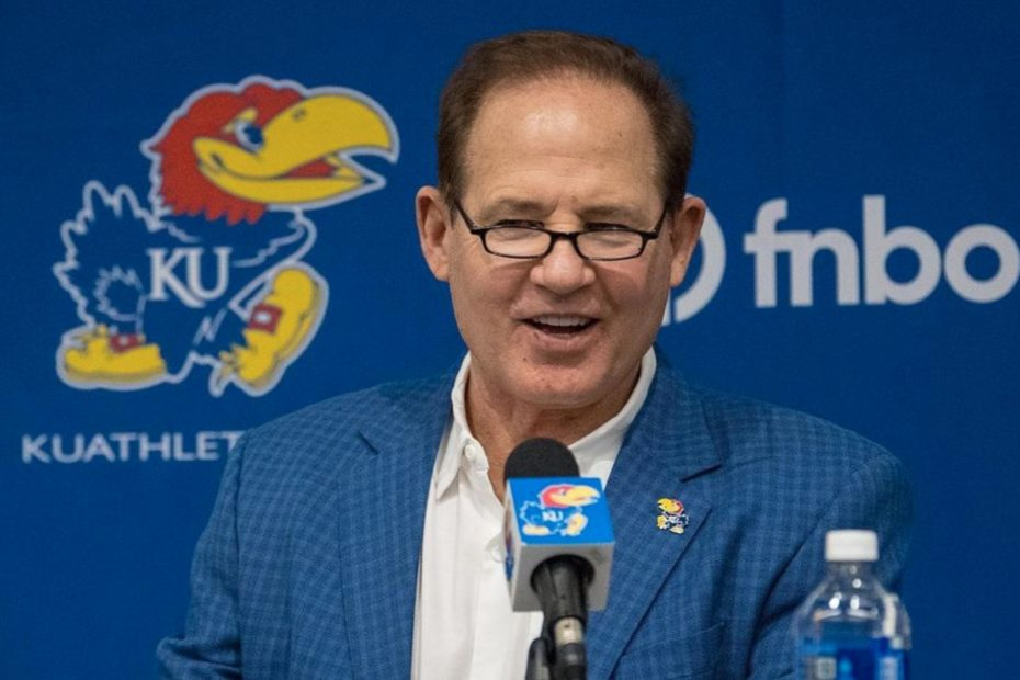 Les Miles, Kansas Agree To Mutually Part Ways After Investigation From Miles' Time At LSU Surfaced