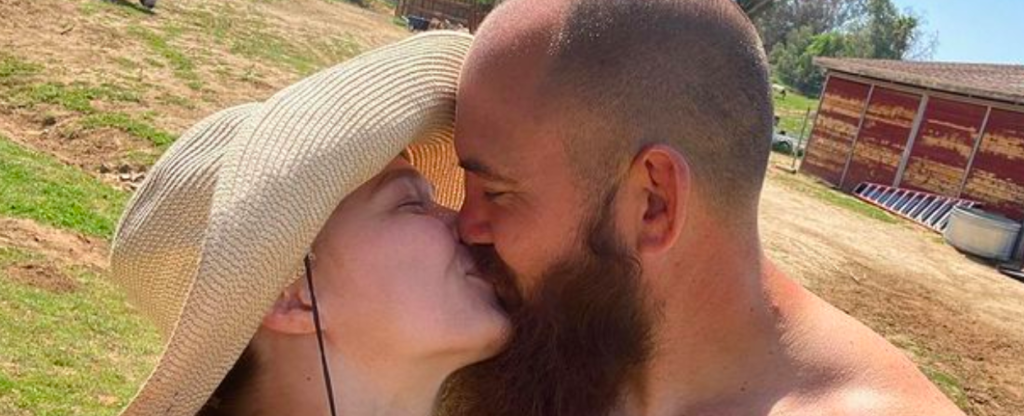 Ronda Rousey And Travis Browne Have Major Announcement: 'Mr Browne And I Are Expecting The baddest Baby On The Planet'!