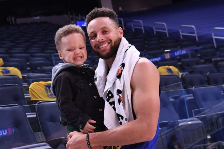 Steph Curry Breaks Crazy NBA Record and April Isn't Even Over Yet