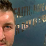 Tim Tebow Officially Signs With Jacksonville Jaguars