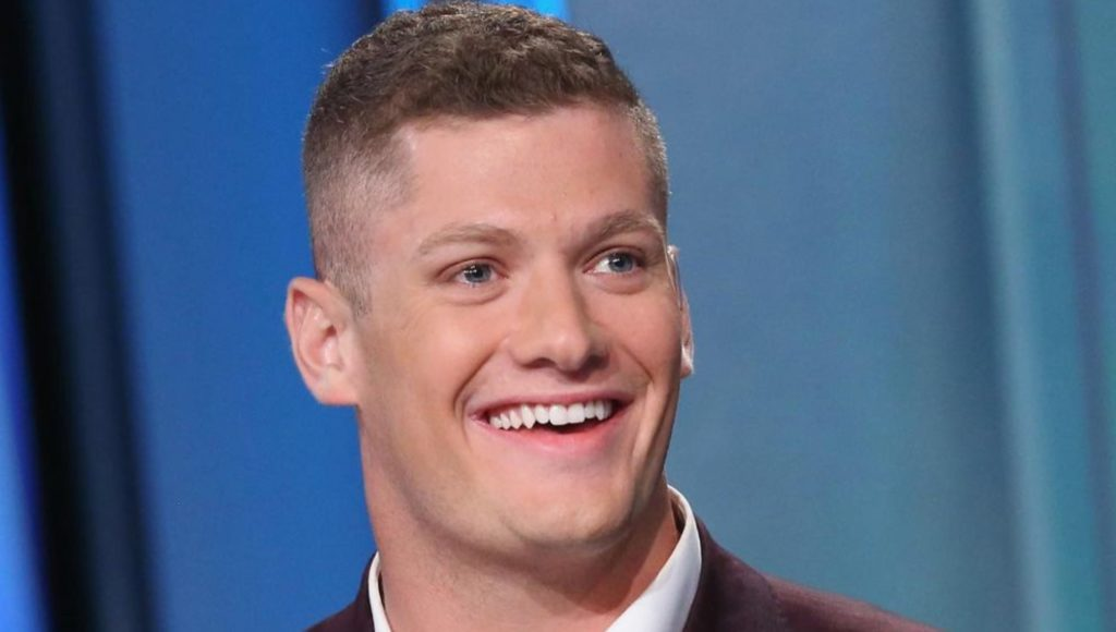 Raiders DL Carl Nassib Comes Out as Gay, Teammate and Opponents Offer Their Support