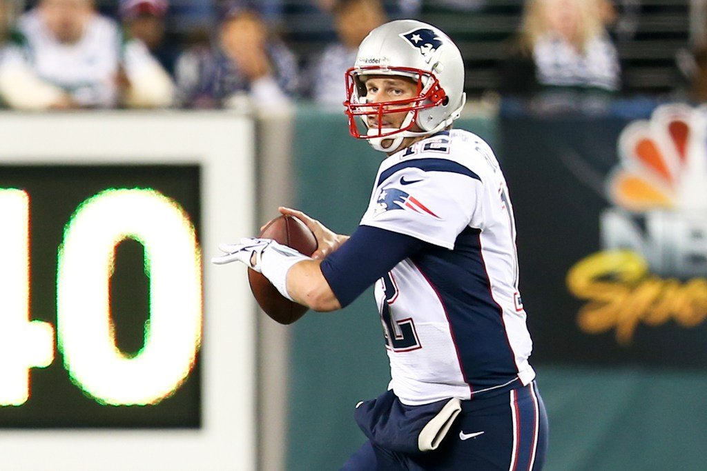 Remember When Tom Brady, 43, Won the Super Bowl Last Year? Yeah, He Had a Torn MCL