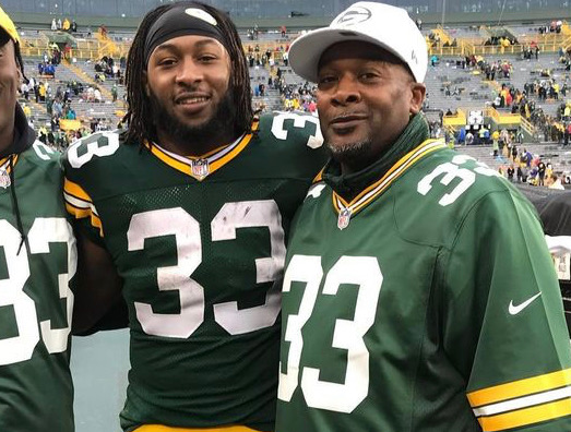 Aaron Jones Lost His Father's Ashes in the Middle of Week 2 Game – Green Bay Packers running back Aaron Jones had his first game back on Lambeau Field since the tragic death of his father occurred.