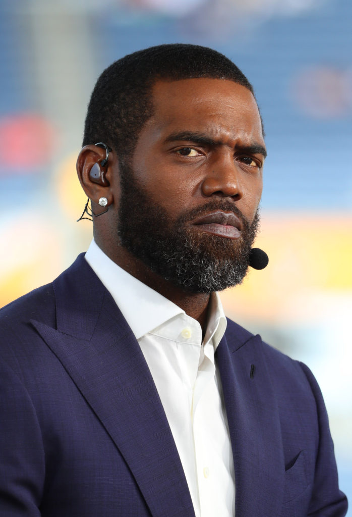 Randy Moss, 44, Gets His Hands on a Lombardi Trophy and Immediately Tosses it Into the East River to See If It Floats